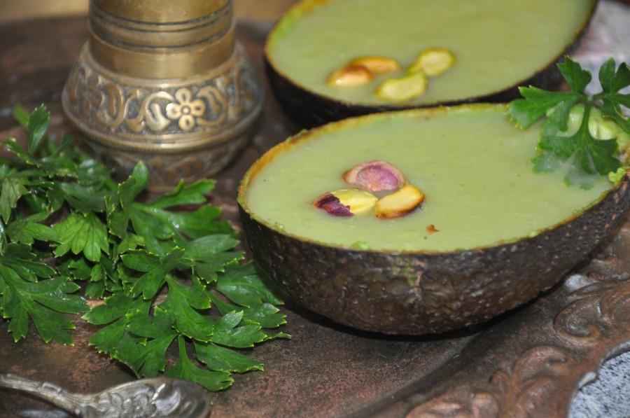 Суп-пюре из авокадо готов!